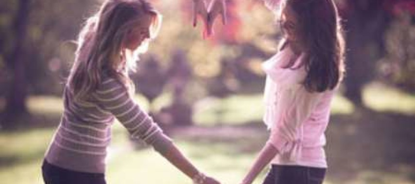 Заговоры на крепкую дружбу — белая магия
