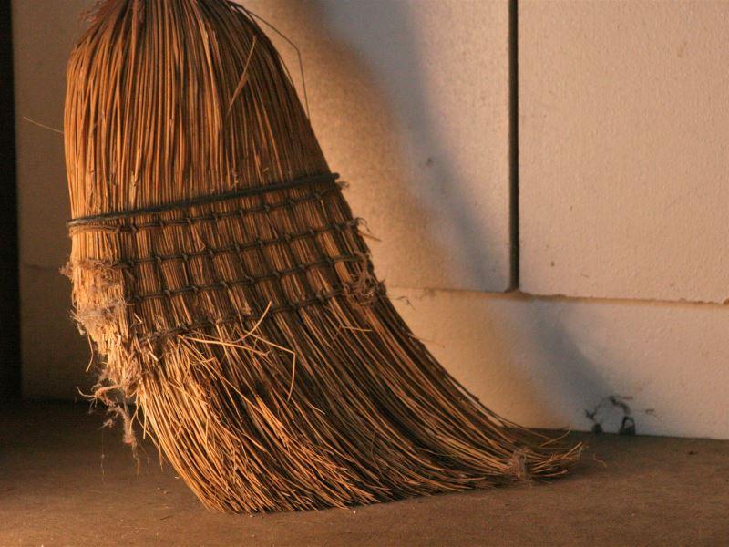 Славянский оберег веник: сильнейший талисман для дома