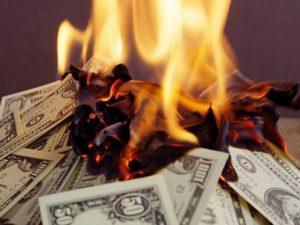 Самостоятельный обряд порчи на денежную неудачу