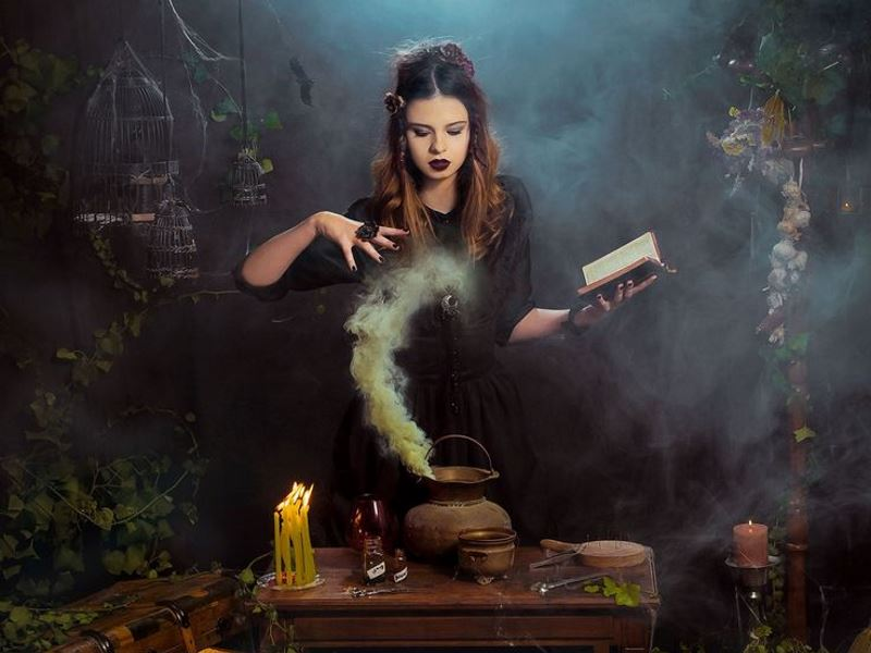 Ведьма и секс ритуал привлечения