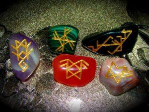 Какие бывают камни обереги