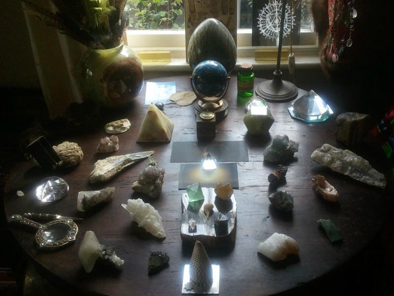 камни амулеты по знакам зодиака