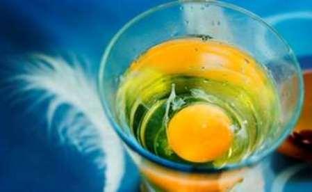 Выкатывание порчи яйцом
