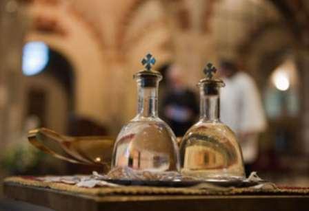 Заговор на святую воду от кашля