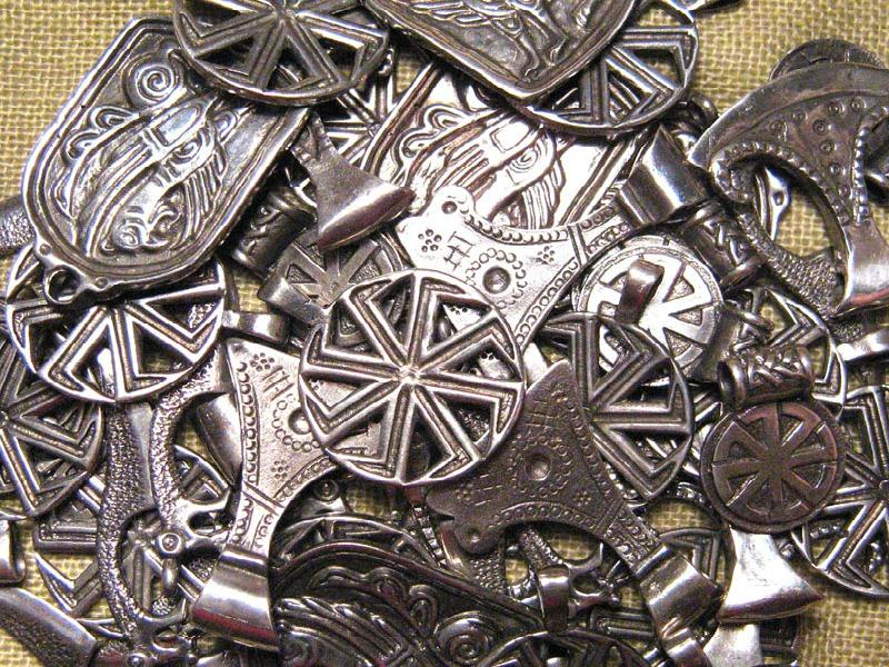 Обереги славянские для мужчин и женщин, для дома и семьи