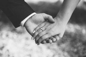 Заговор на возврат мужа на обручальное кольцо